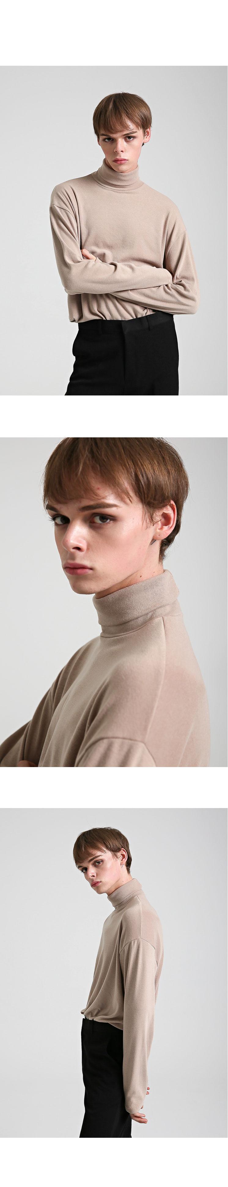 이에스엔(ESN) 퍼펙트 터틀넥 니트 티셔츠 베이지